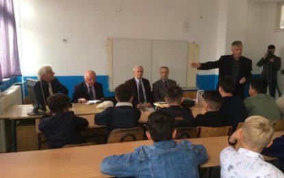 Karvani i Shkrimtarëve të Luginës orë letrare në dy shkolla në Bujanoc