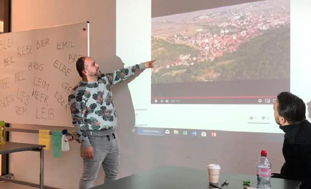 """Gazetari Preshevarë, Arben Mehmeti në Zvicër prezeton dokumentarin """"Lugina e Preshevës"""""""