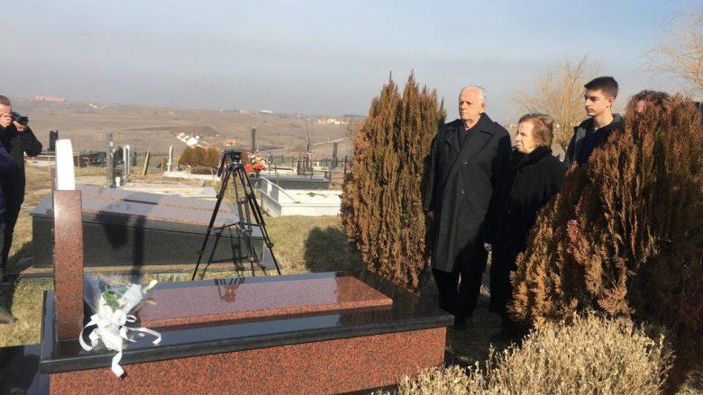 Shaban Xheladini kërkon drejtësi për vrasjen e djalit të tij, Arbenit