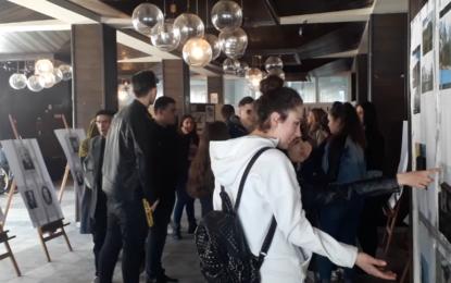 """Sh.m""""Sezai Surroi"""" në Bujanoc me ekspozitë për nder të 7 Marsit, Ditës së Mësuesit(Video)"""