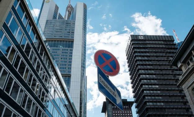 Deutsche Bank dhe Commerzbank nisin bisedimet zyrtare për bashkim