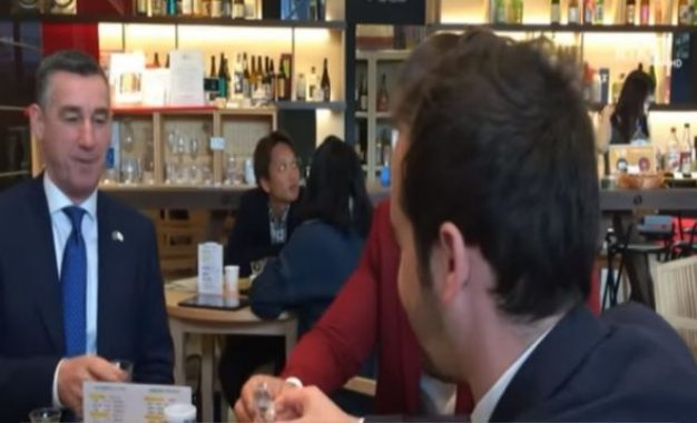 Veseli takon studentë kosovarë në Japoni