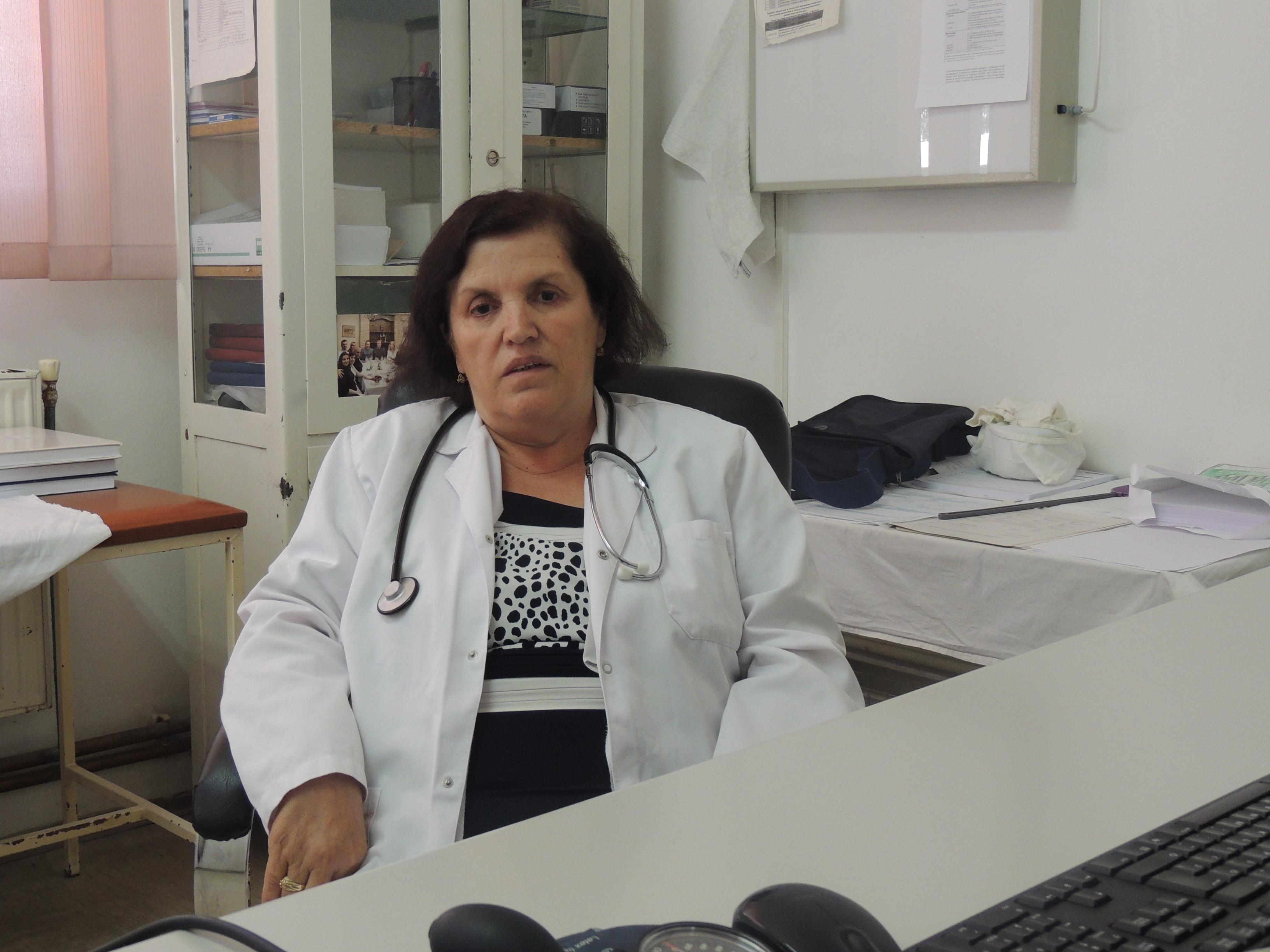 Tërnoc: Mes emocionesh dhe lotëve përcillet për në pension doktoresha Mediha Zahiri (video)