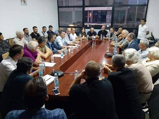 Ternava: Çdo shqiptar i Lugines që jeton në Kosovë të pajiset me pasaportë